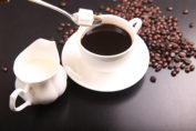 Dubbelt svart kaffe skapar uppmärksamhet